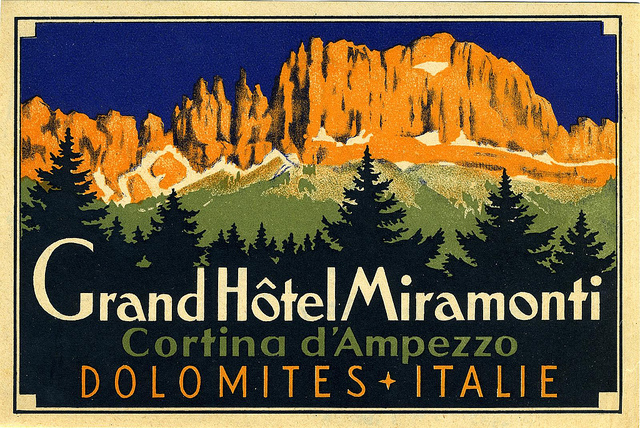 Mountains and Ski Vintage Travel Labels - VINTRALAB-041